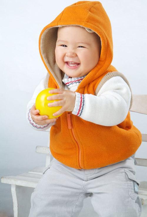 超级可爱的混血宝宝
