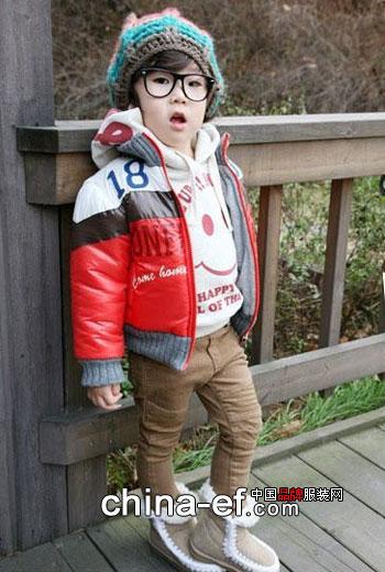 韩国小帅哥的冬日潮流装扮