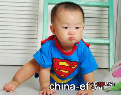 动感超人宝宝的可爱造型